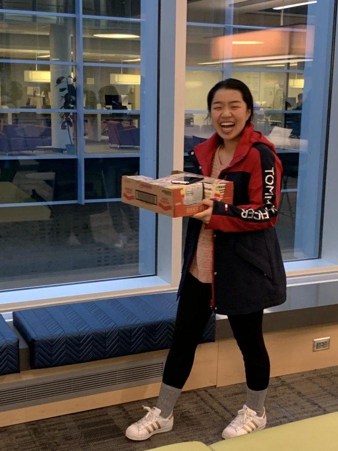 Jasmine Zhang '20 sells Maruchan Ramen to Stevenson Students.
