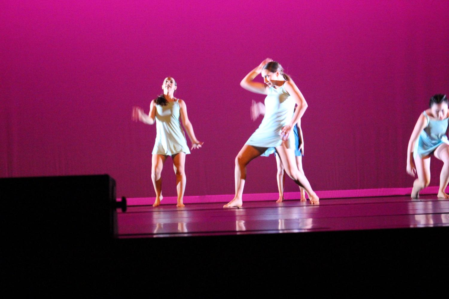 Elli Freeman, Jessica Goldvekht, Misako Kasagi, Jocelyn Silk, Zoey Silver perform the dance Despondency choreographed by Masha Khorolinsky. This piece was dedicated to Ria Lodd.