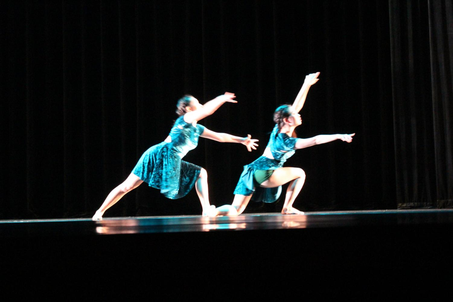 Georgie Casaletto, Isabella Fontane, Elena Rouse, Sophia Shin perform to the dance Catharsis. This piece was choreographed by Isabella Fontane.