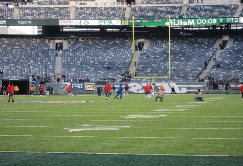 Due to COVID-19 safety precautions, MetLife Stadium plays without any fans. New Jersey's rules do not allow fans to be in attendance at any pro sporting events in the state, citing health risks.